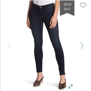HUDSON jeans -mid rise super skinny Size 29